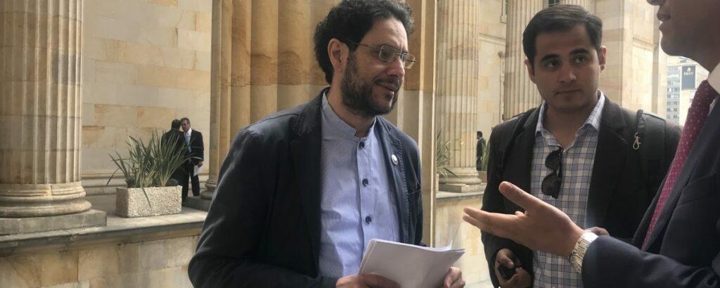 Senador Cepeda solicitó captura preventiva del abogado de Uribe Diego Cadenas