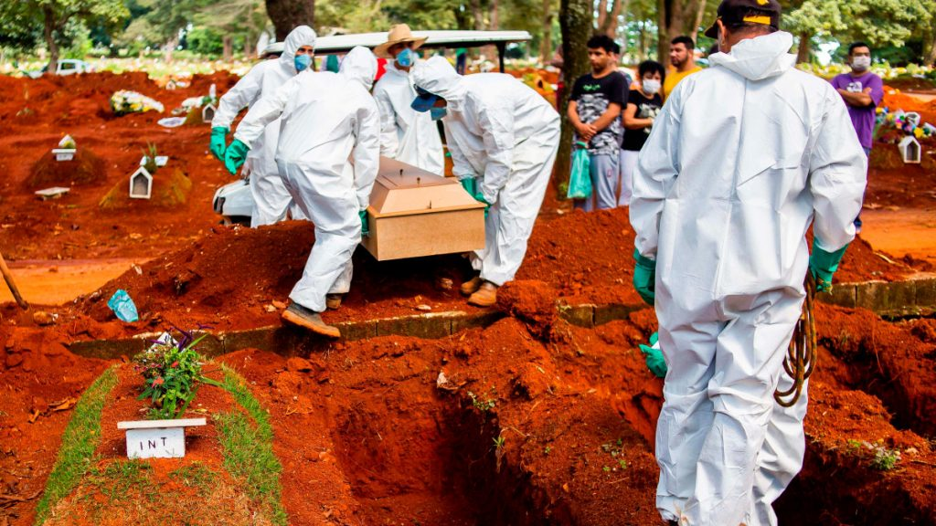 Brasil supera a China en muertes por Covid-19