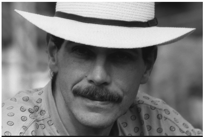 CARLOS PIZARRO LEONGOMEZ, UN HOMBRE DE LA PAZ.