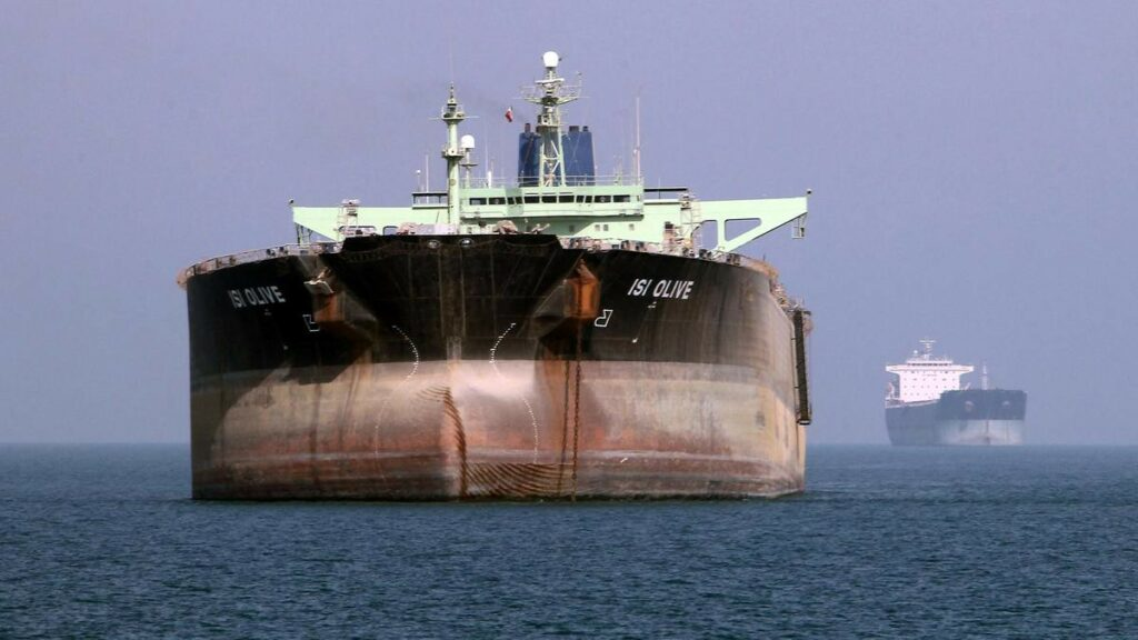 ¿Qué pasa con la gasolina en Venezuela? Bloqueo, refinerías y los buques iraníes