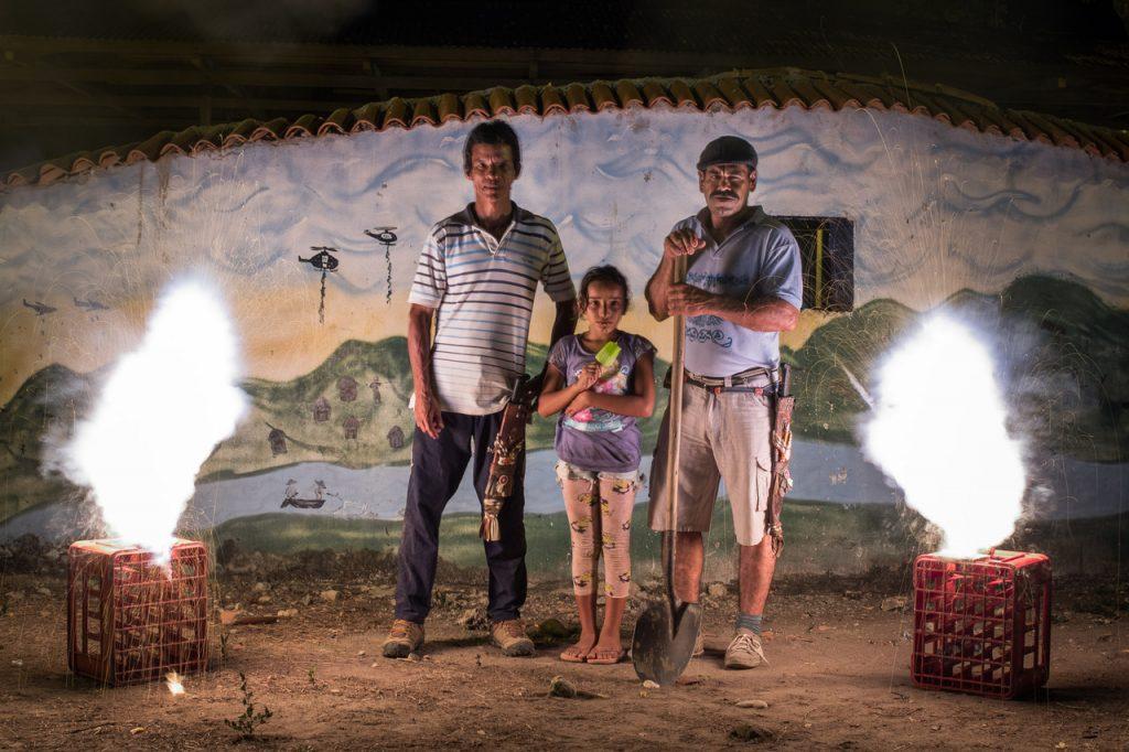 """""""La luz de las balas, la oscuridad del olvido"""" un documental con una mirada colombofrancesa"""