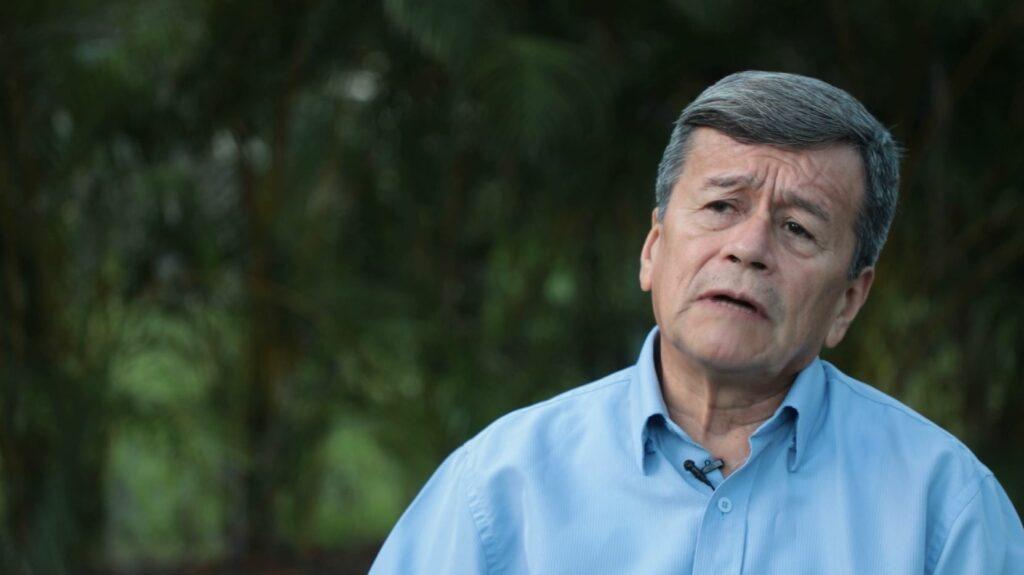 «Colombia es una narcodemocracia al servicio de EE.UU.:»Pablo Beltrán, jefe del equipo negociador del ELN.